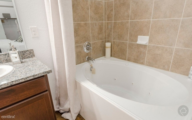 2 Bedrooms, The Woodlands Rental in Houston for $1,250 - Photo 1