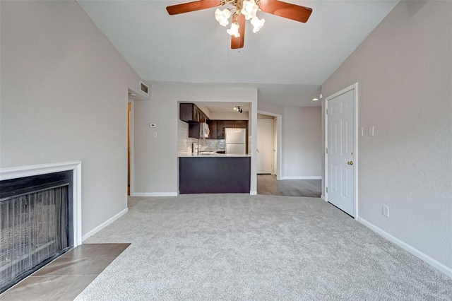 2 Bedrooms, Pipers Crossing Condominiums Rental in Houston for $1,000 - Photo 1