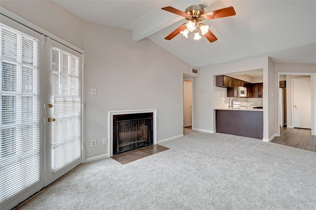 2 Bedrooms, Pipers Crossing Condominiums Rental in Houston for $1,000 - Photo 2