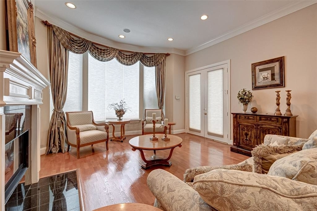 5 Bedrooms, Royal Oaks Country Club Rental in Houston for $10,000 - Photo 2