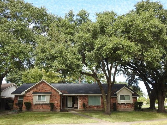 4 Bedrooms, Braeburn Valley Rental in Houston for $1,795 - Photo 1