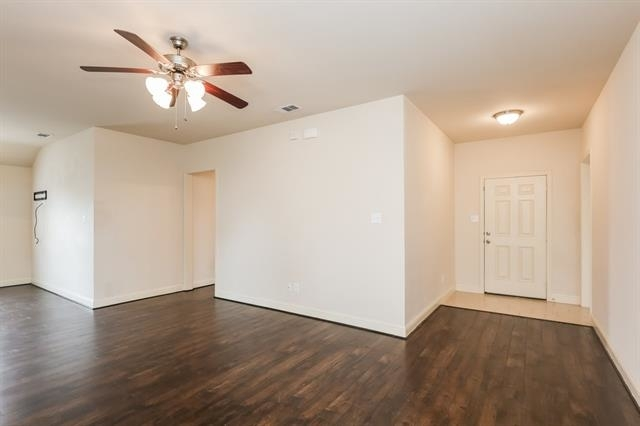 4 Bedrooms, Hearthstone Rental in Dallas for $1,615 - Photo 2