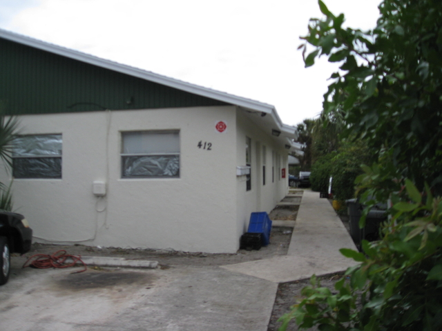2 Bedrooms, West Palm Beach Rental in Miami, FL for $1,150 - Photo 2