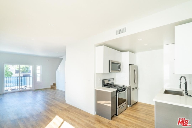 2 Bedrooms, Central Hollywood Rental in Los Angeles, CA for $3,250 - Photo 1