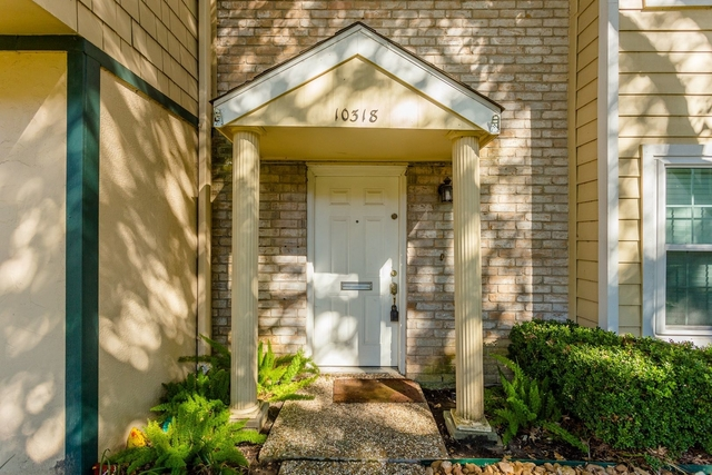 3 Bedrooms, Briarforest Rental in Houston for $1,995 - Photo 1