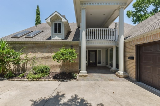 4 Bedrooms, Briargrove Park Rental in Houston for $2,500 - Photo 2