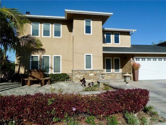 4 Bedrooms, Lake Forest Rental in Los Angeles, CA for $3,600 - Photo 2