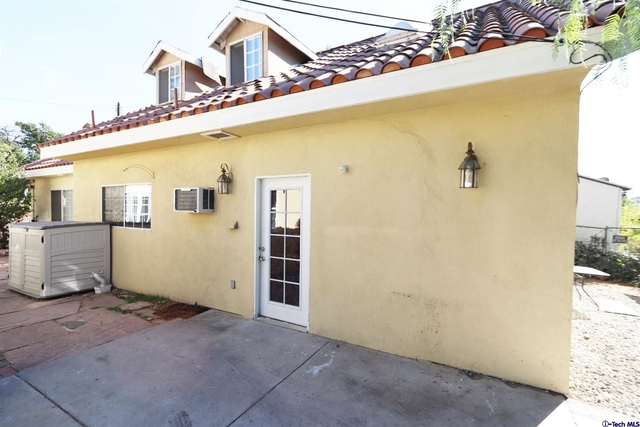 3 Bedrooms, Van Nuys Rental in Los Angeles, CA for $2,800 - Photo 1