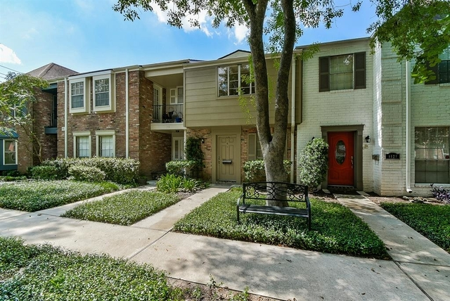 2 Bedrooms, Memorial Club Townhome Rental in Houston for $1,325 - Photo 1