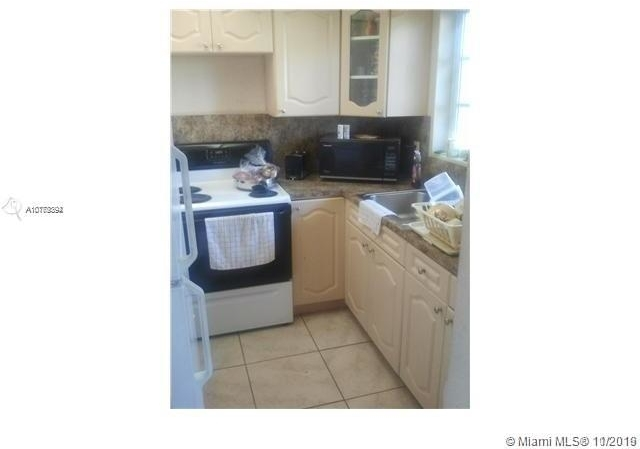 2 Bedrooms, Riverview Rental in Miami, FL for $1,300 - Photo 2