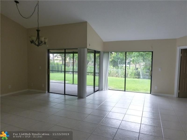 3 Bedrooms, Country Encore Rental in Miami, FL for $2,850 - Photo 2