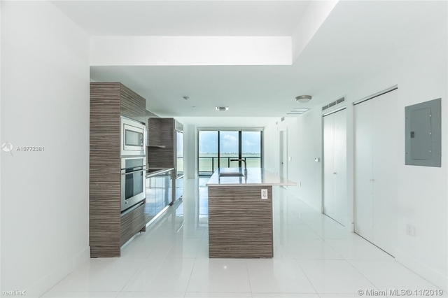 2 Bedrooms, Bankers Park Rental in Miami, FL for $3,100 - Photo 1