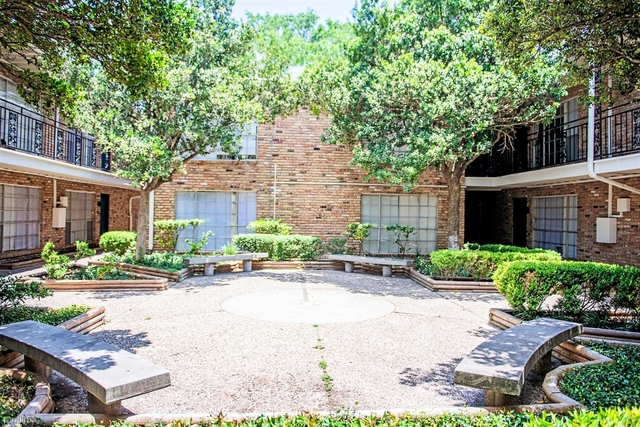 2 Bedrooms, Gulfton Rental in Houston for $1,500 - Photo 1