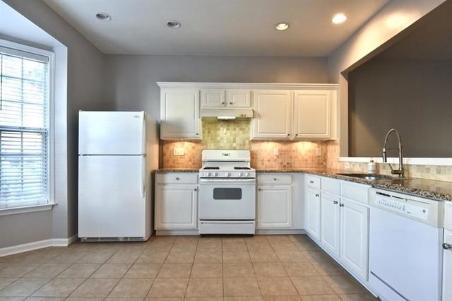 3 Bedrooms, Forsyth County Rental in Atlanta, GA for $1,600 - Photo 2
