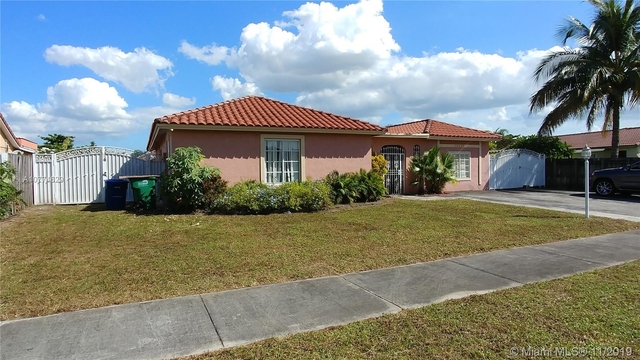 3 Bedrooms, Country Lake Manors Rental in Miami, FL for $2,600 - Photo 2