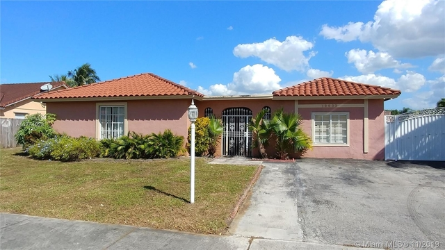 3 Bedrooms, Country Lake Manors Rental in Miami, FL for $2,600 - Photo 1