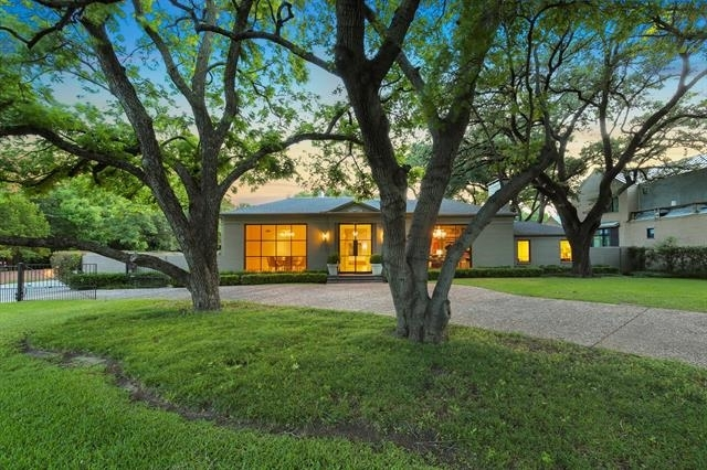 4 Bedrooms, Devonshire Rental in Dallas for $15,000 - Photo 2