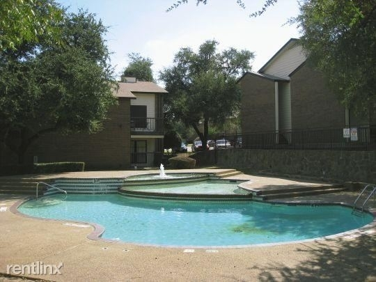2 Bedrooms, Carol Oaks North Rental in Dallas for $1,033 - Photo 2