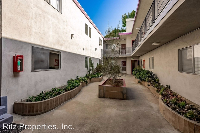 1 Bedroom, Hollywood Hills West Rental in Los Angeles, CA for $1,995 - Photo 2