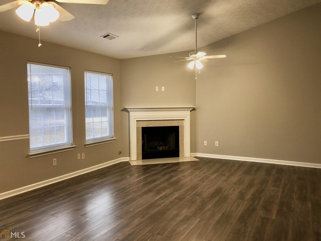 3 Bedrooms, City Square Rental in Atlanta, GA for $1,300 - Photo 2