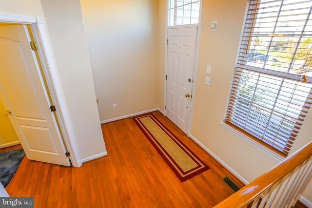 3 Bedrooms, Loudoun Valley Estates Rental in Washington, DC for $2,500 - Photo 2