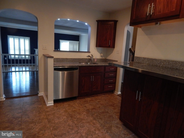 3 Bedrooms, Rose Hill Rental in Washington, DC for $2,395 - Photo 2