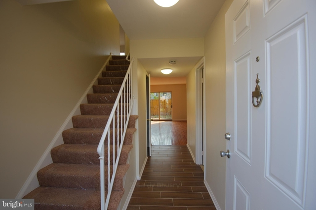 3 Bedrooms, Redland Rental in Washington, DC for $2,000 - Photo 2