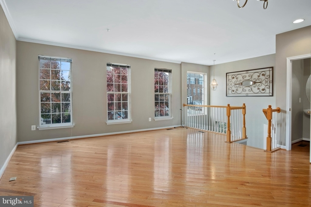 3 Bedrooms, Gaithersburg Rental in Washington, DC for $2,300 - Photo 2