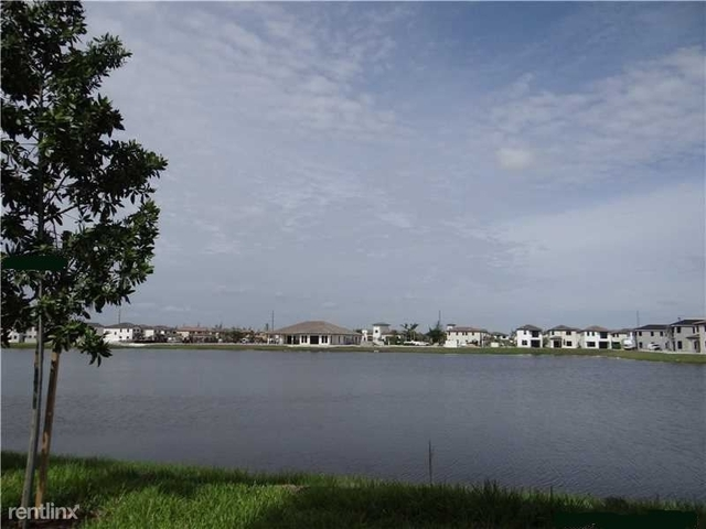 2 Bedrooms, Hialeah Rental in Miami, FL for $1,900 - Photo 2