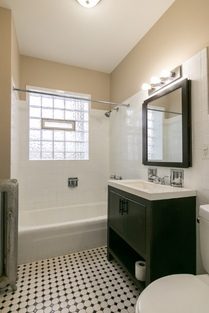 3 Bedrooms, Hyde Park Rental in Chicago, IL for $1,600 - Photo 2