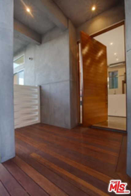3 Bedrooms, Silver Strand Rental in Los Angeles, CA for $15,000 - Photo 2