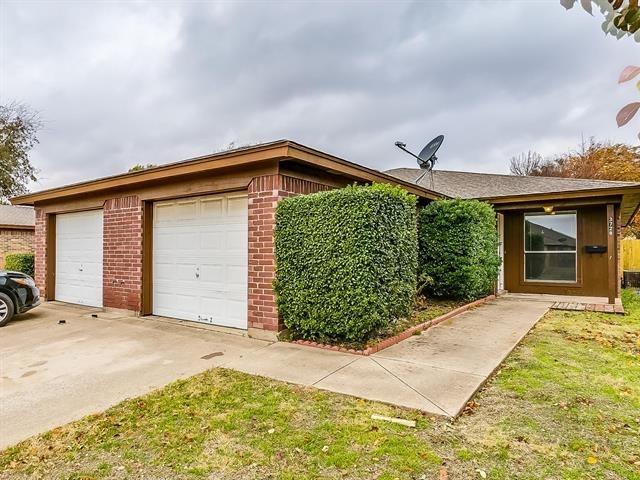 2 Bedrooms, Hulen Springs Meadow Rental in Dallas for $925 - Photo 2