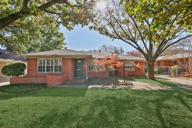 2 Bedrooms, Hillside Rental in Dallas for $1,950 - Photo 2