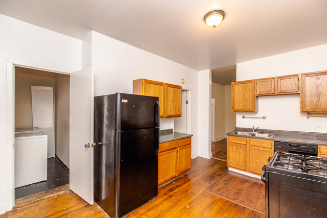 2 Bedrooms, Ranch Triangle Rental in Chicago, IL for $2,142 - Photo 1