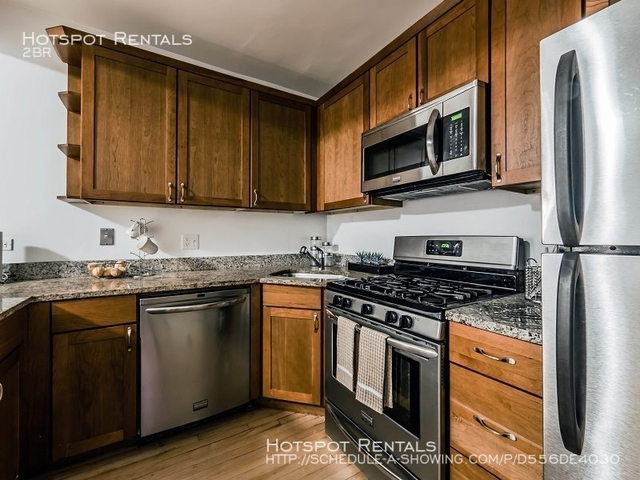 2 Bedrooms, Gold Coast Rental in Chicago, IL for $2,338 - Photo 1