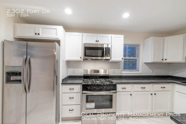 5 Bedrooms, Huntington Rental in Washington, DC for $2,500 - Photo 2