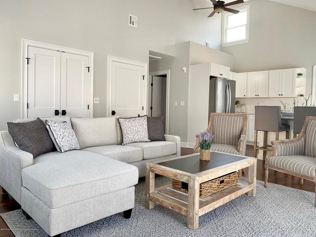 2 Bedrooms, Bay Head Rental in North Jersey Shore, NJ for $3,000 - Photo 1