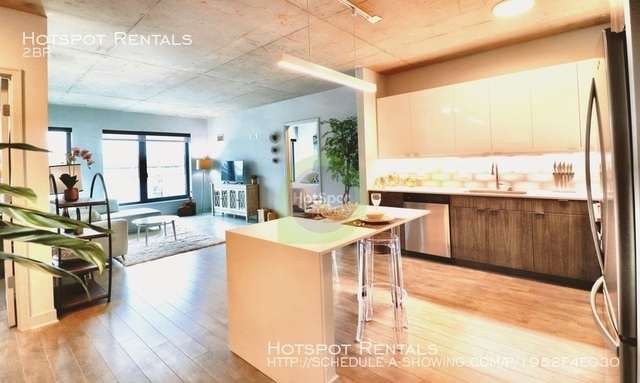 2 Bedrooms, Wrigleyville Rental in Chicago, IL for $3,321 - Photo 1