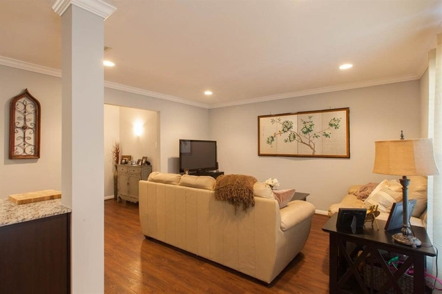 2 Bedrooms, Greater Heights Rental in Houston for $1,400 - Photo 2