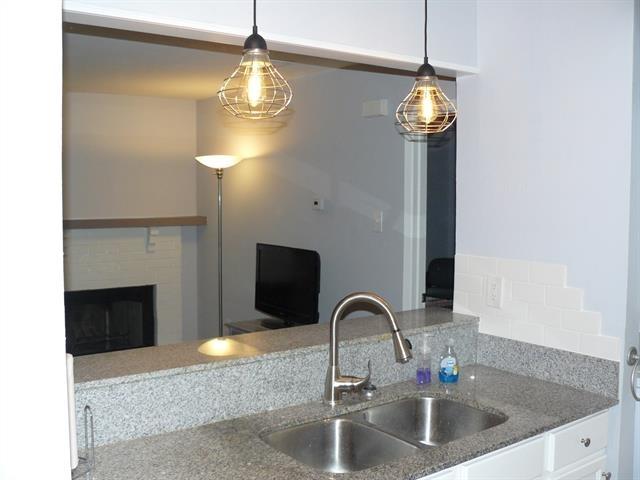 1 Bedroom, White Rock Valley Rental in Dallas for $900 - Photo 1