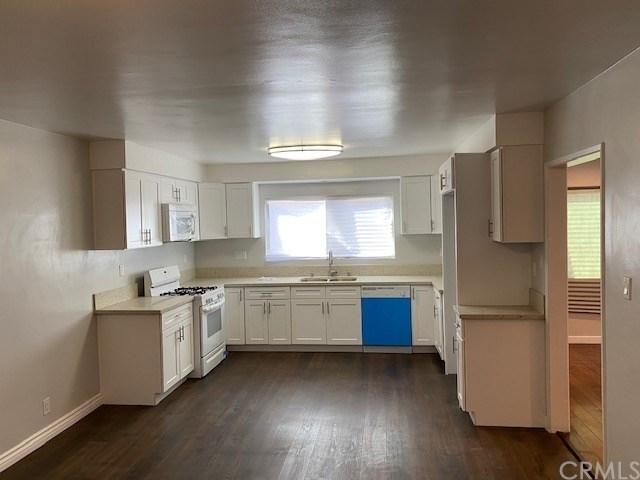 3 Bedrooms, Inglewood Rental in Los Angeles, CA for $2,800 - Photo 2