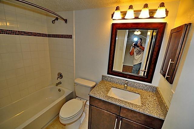 1 Bedroom, White Rock Valley Rental in Dallas for $1,075 - Photo 2