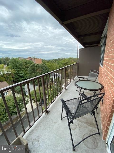 2 Bedrooms, Waverly Hills Rental in Washington, DC for $2,000 - Photo 1