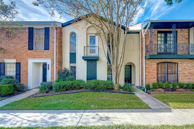 3 Bedrooms, Memorial Club Townhome Rental in Houston for $1,695 - Photo 1