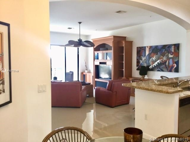 2 Bedrooms, Sawgrass Lakes Rental in Miami, FL for $2,300 - Photo 1