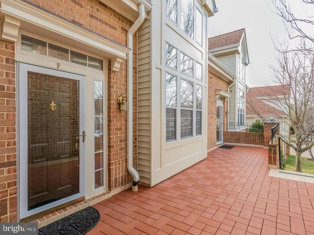 2 Bedrooms, McLean Rental in Washington, DC for $3,300 - Photo 2