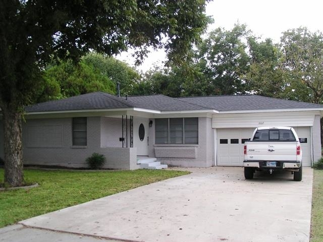 3 Bedrooms, Greenwood Rental in Dallas for $1,650 - Photo 1