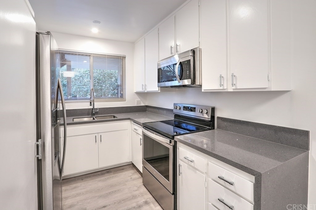 1 Bedroom, NoHo Arts District Rental in Los Angeles, CA for $1,950 - Photo 2