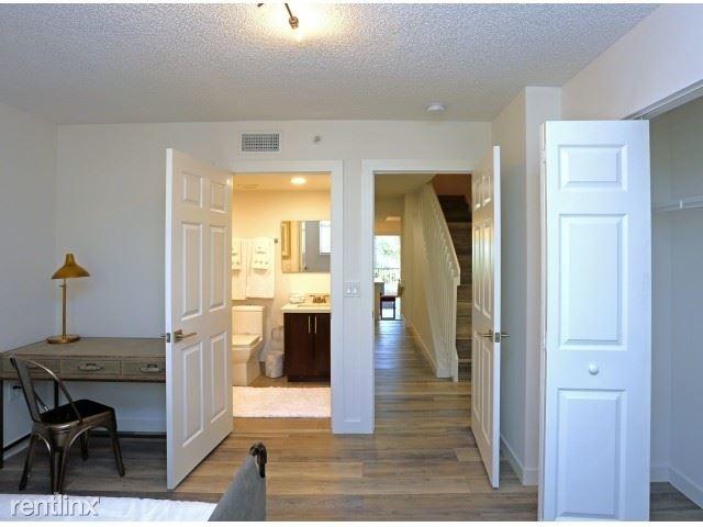 4 Bedrooms, Weston Rental in Miami, FL for $2,620 - Photo 2