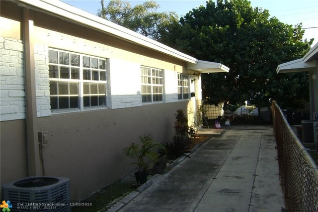 2 Bedrooms, Hallandale Beach Rental in Miami, FL for $1,150 - Photo 2